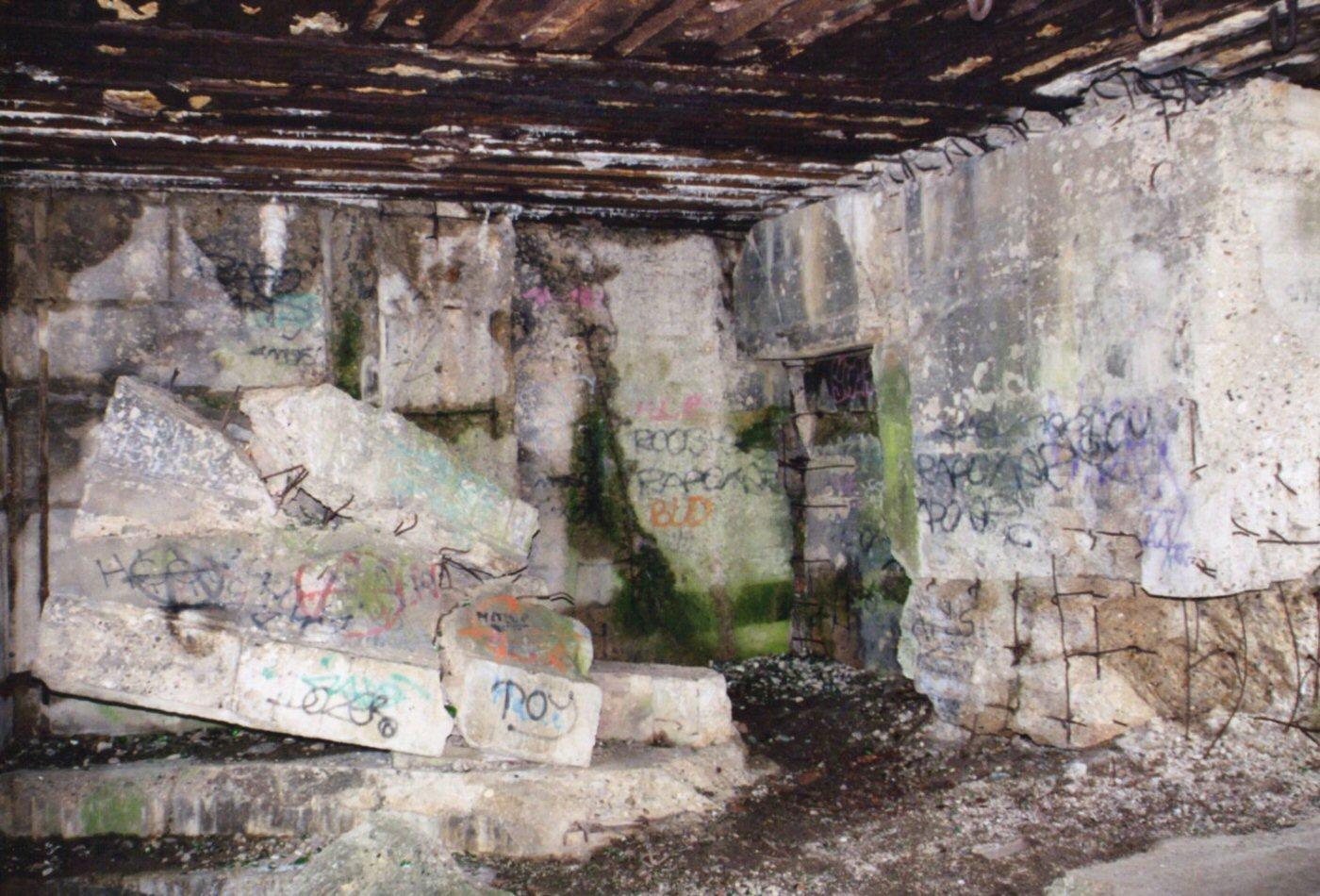 Photographie de l 39 int rieur d 39 un blockhaus du mont canisy for A l interieur de l oreille