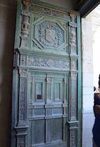 Photographie des armoiries au dessus de la porte d 39 entr e for Au dessus de la porte d entree
